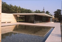 Barcelona Pavilion, Spain - Mies van de Rohe 05_Stephen Varady photo ©