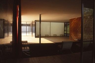 Barcelona Pavilion, Spain - Mies van de Rohe 09_Stephen Varady photo ©