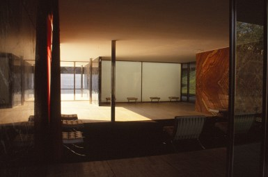 Barcelona Pavilion, Spain - Mies van de Rohe 09_Stephen Varady photo ©