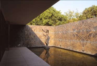 Barcelona Pavilion, Spain - Mies van de Rohe 14_Stephen Varady photo ©