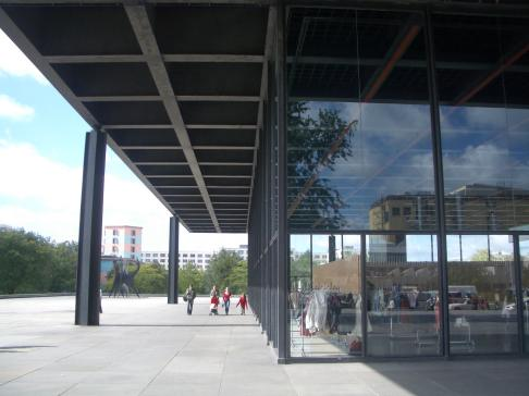 Neue Nationalgallerie, Berlin - Mies van der Rohe 04_Stephen Varady photo ©