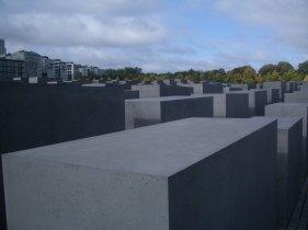 Holocaust Memorial by Peter Eisenman 03_Stephen Varady Photo