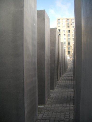 Holocaust Memorial by Peter Eisenman 11_Stephen Varady Photo