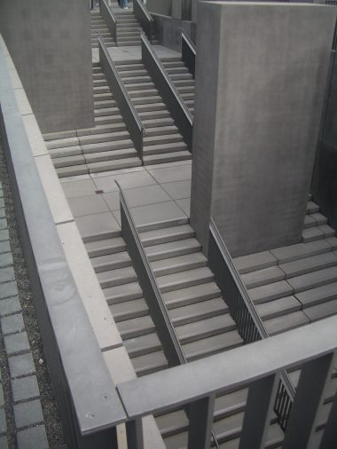 Holocaust Memorial by Peter Eisenman 26_Stephen Varady Photo