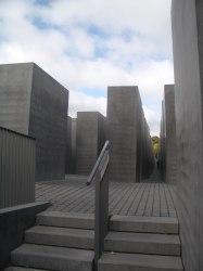 Holocaust Memorial by Peter Eisenman 43_Stephen Varady Photo