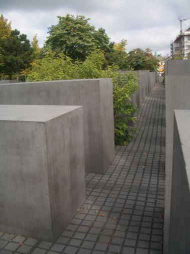 Holocaust Memorial by Peter Eisenman 46_Stephen Varady Photo