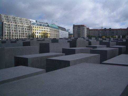 Holocaust Memorial by Peter Eisenman 48_Stephen Varady Photo