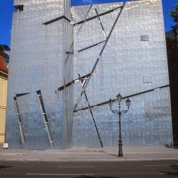 Jewish Museum, Berlin - Daniel Libeskind 1.04_Stephen Varady Photo
