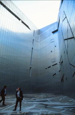 Jewish Museum, Berlin - Daniel Libeskind 2.01 - Stephen Varady Photo