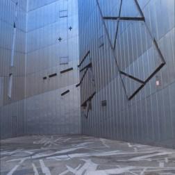 Jewish Museum, Berlin - Daniel Libeskind 2.03_Stephen Varady Photo