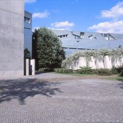 Jewish Museum, Berlin - Daniel Libeskind 3.04_Stephen Varady Photo