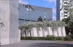 Jewish Museum, Berlin - Daniel Libeskind 3.05_Stephen Varady Photo