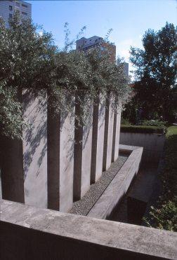 Jewish Museum, Berlin - Daniel Libeskind 3.09_Stephen Varady Photo