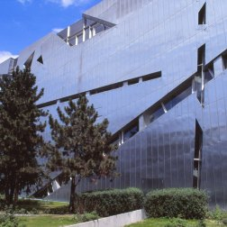 Jewish Museum, Berlin - Daniel Libeskind 3.25_Stephen Varady Photo