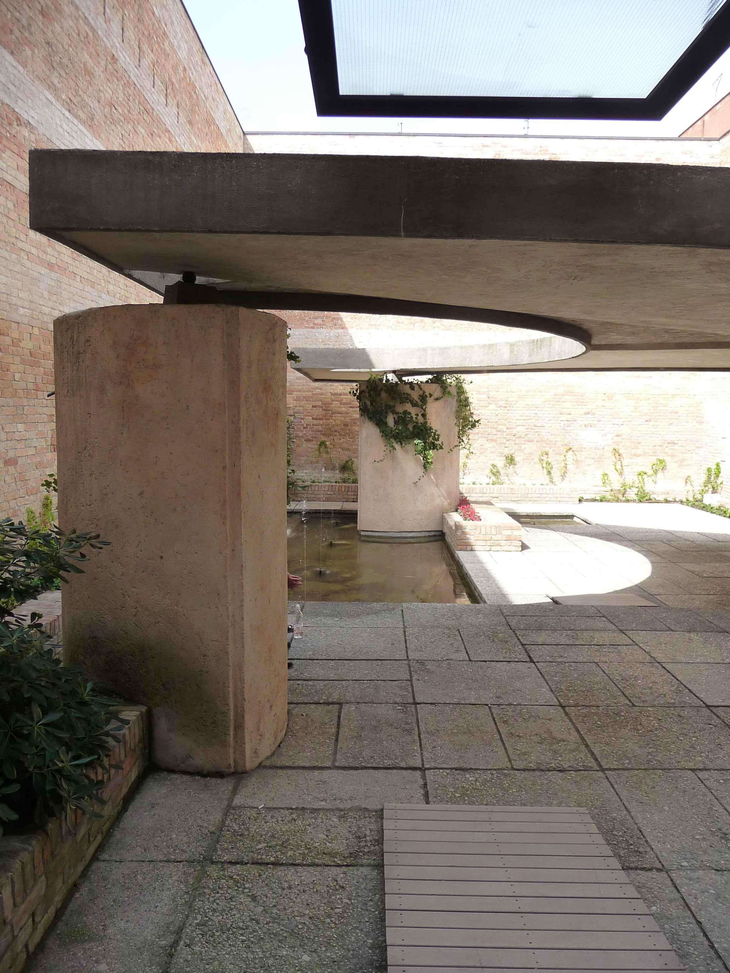 Italian Biennale Pavilion Courtyard Venice By Carlo Scarpa