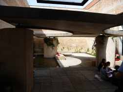 Italian Biennale Pavilion Courtyard, Venice by Carlo Scarpa 02_Stephen Varady photo ©