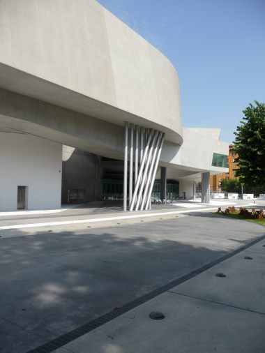 MAXXI, Rome by Zaha Hadid 07_Stephen Varady Photo ©