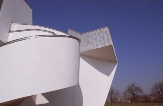 Vitra Design Museum by Frank Gehry 15_Stephen Varady Photo ©