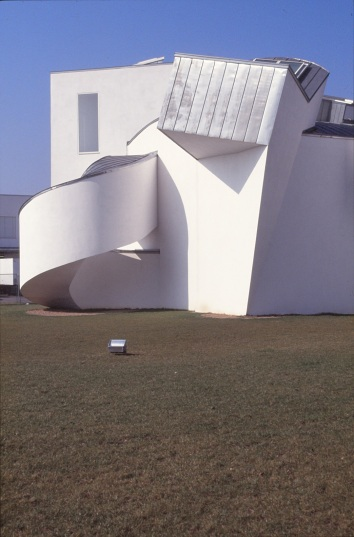 Vitra Design Museum by Frank Gehry 18_Stephen Varady Photo ©