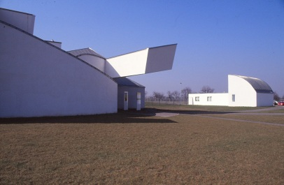 Vitra Design Museum by Frank Gehry 20_Stephen Varady Photo ©
