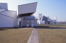 Vitra Design Museum by Frank Gehry 22_Stephen Varady Photo ©