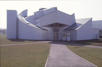 Vitra Design Museum by Frank Gehry 25_Stephen Varady Photo ©