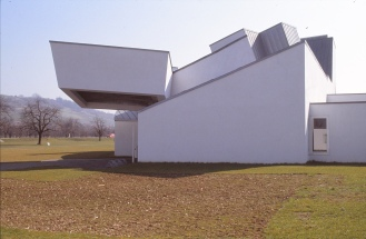 Vitra Design Museum by Frank Gehry 26_Stephen Varady Photo ©