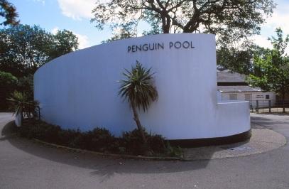 London Zoo Penguin Pool by Lubetkin, Drake + Tecton 01_Stephen Varady Photo ©