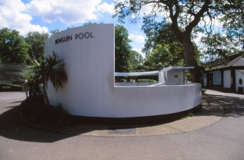 London Zoo Penguin Pool by Lubetkin, Drake + Tecton 02_Stephen Varady Photo ©