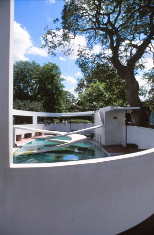 London Zoo Penguin Pool by Lubetkin, Drake + Tecton 03_Stephen Varady Photo ©