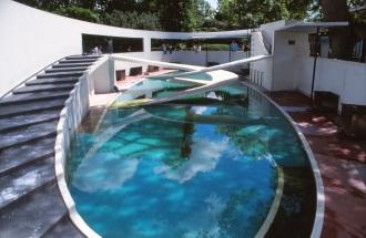 London Zoo Penguin Pool by Lubetkin, Drake + Tecton 04_Stephen Varady Photo ©