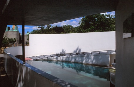 London Zoo Penguin Pool by Lubetkin, Drake + Tecton 08_Stephen Varady Photo ©