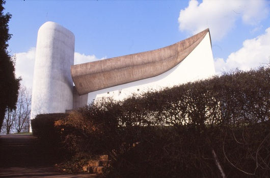 ronchamp-chapel-by-le-corbusier-16_stephen-varady-photo