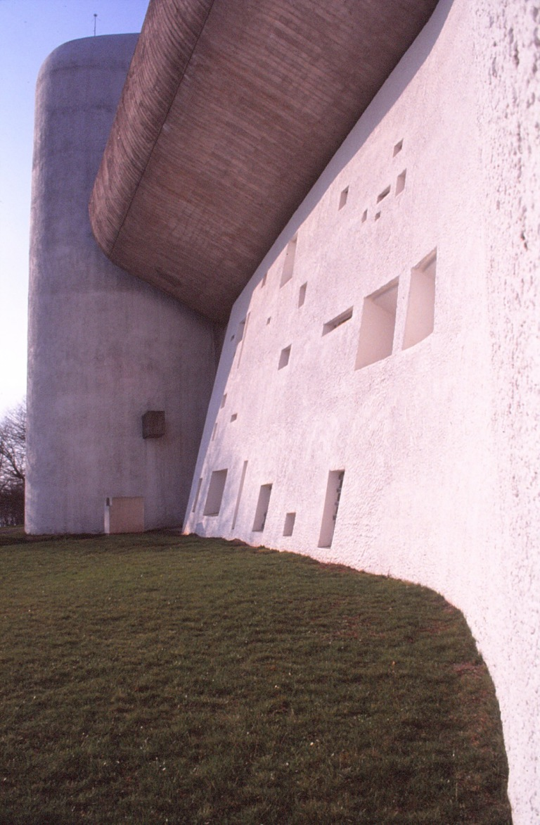 ronchamp-chapel-by-le-corbusier-23_stephen-varady-photo