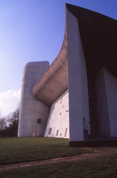 ronchamp-chapel-by-le-corbusier-25_stephen-varady-photo