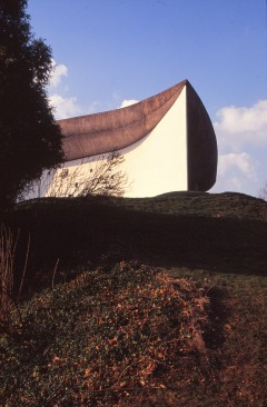 ronchamp-chapel-by-le-corbusier-28_stephen-varady-photo