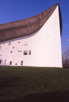 ronchamp-chapel-by-le-corbusier-35_stephen-varady-photo