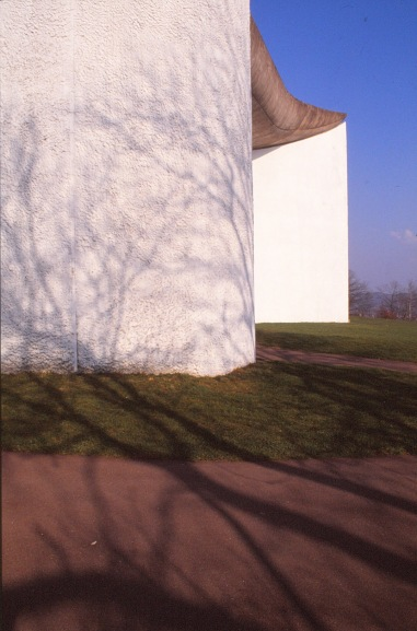 ronchamp-chapel-by-le-corbusier-37_stephen-varady-photo