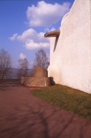 ronchamp-chapel-by-le-corbusier-42_stephen-varady-photo