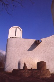 ronchamp-chapel-by-le-corbusier-44_stephen-varady-photo