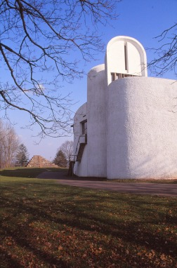 ronchamp-chapel-by-le-corbusier-47_stephen-varady-photo