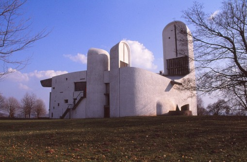 ronchamp-chapel-by-le-corbusier-49_stephen-varady-photo