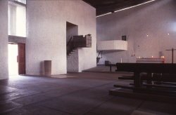ronchamp-chapel-by-le-corbusier-51_stephen-varady-photo