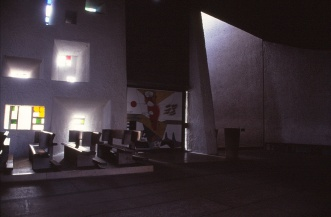 ronchamp-chapel-by-le-corbusier-60_stephen-varady-photo