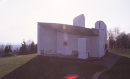 ronchamp-chapel-by-le-corbusier-74_stephen-varady-photo