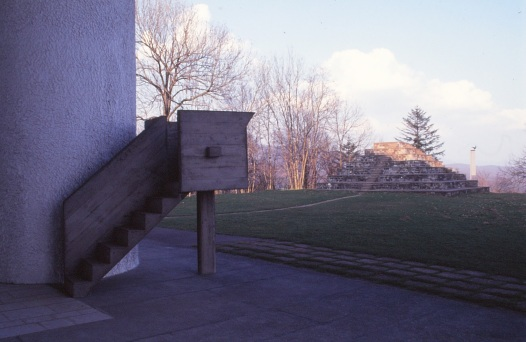 ronchamp-chapel-by-le-corbusier-81_stephen-varady-photo