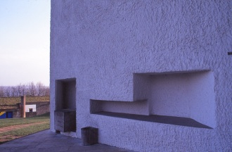 ronchamp-chapel-by-le-corbusier-86_stephen-varady-photo