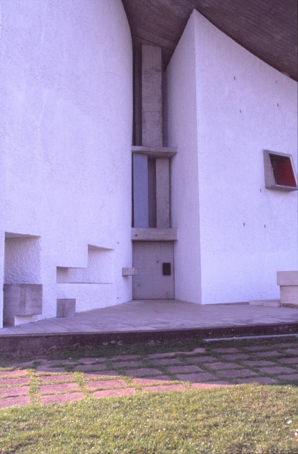 ronchamp-chapel-by-le-corbusier-87_stephen-varady-photo