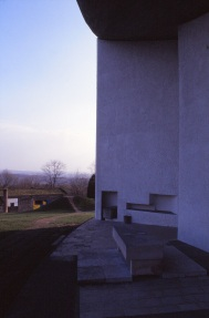 ronchamp-chapel-by-le-corbusier-88_stephen-varady-photo