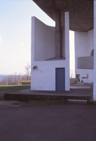 ronchamp-chapel-by-le-corbusier-90_stephen-varady-photo